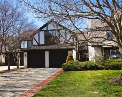 11 Ashley Ct, Rocky River, OH 44116