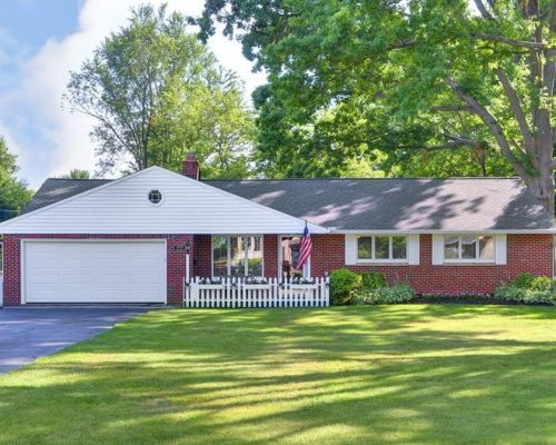 30525 Lake Rd, Bay Village, OH 44140