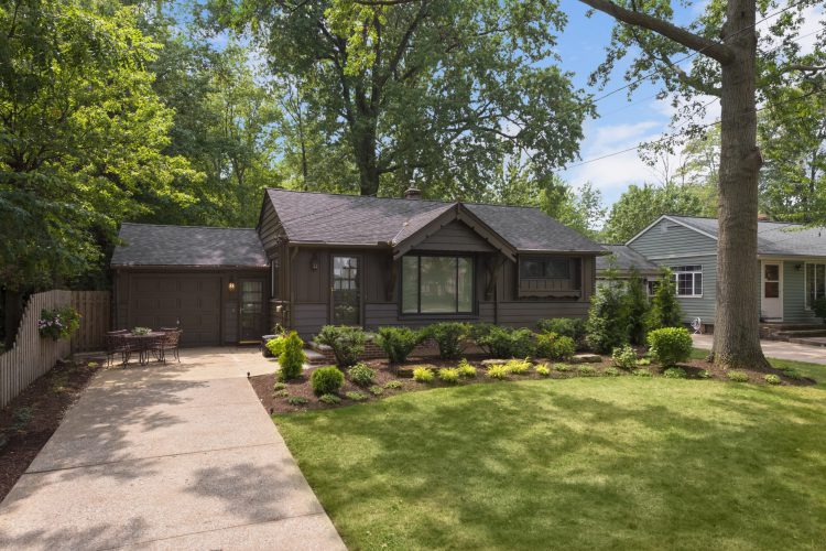 32499 Lake Road, Avon Lake, Ohio  4217373