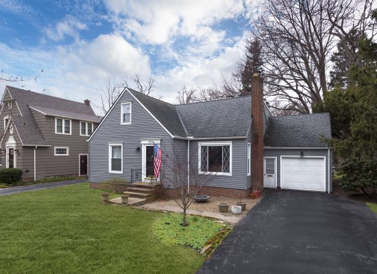 352 Longbeach, Bay Village, Ohio  4079627
