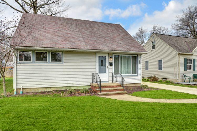 230 Inwood Blvd, Avon Lake, Ohio 44012