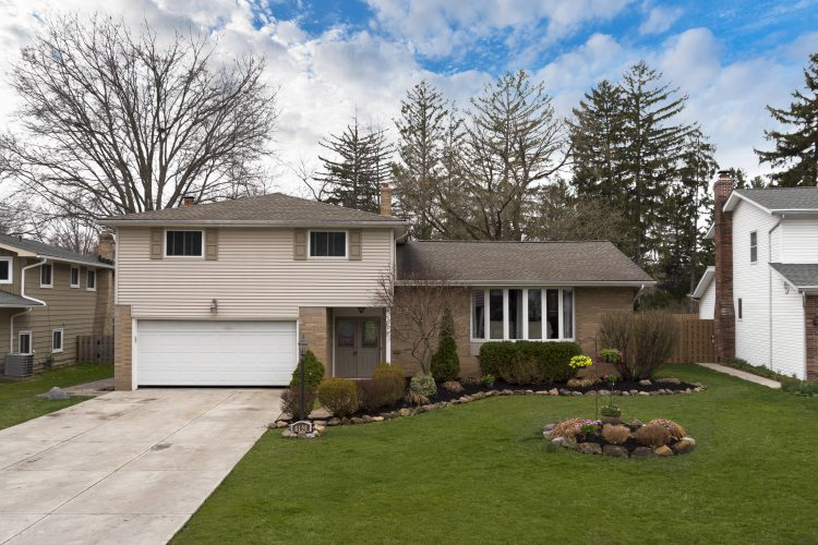 6198 Brighton Drive, North Olmsted, Ohio  4081315