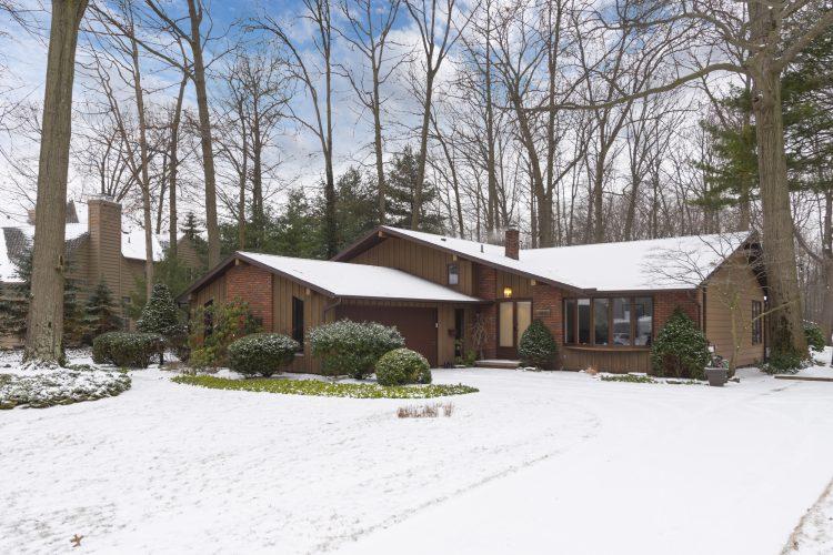 162 Brunswick Drive, Avon Lake, Ohio 44012